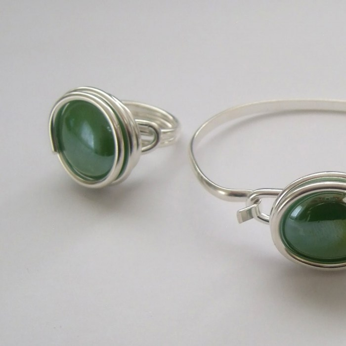 Large-pearly-green-glass-set-2